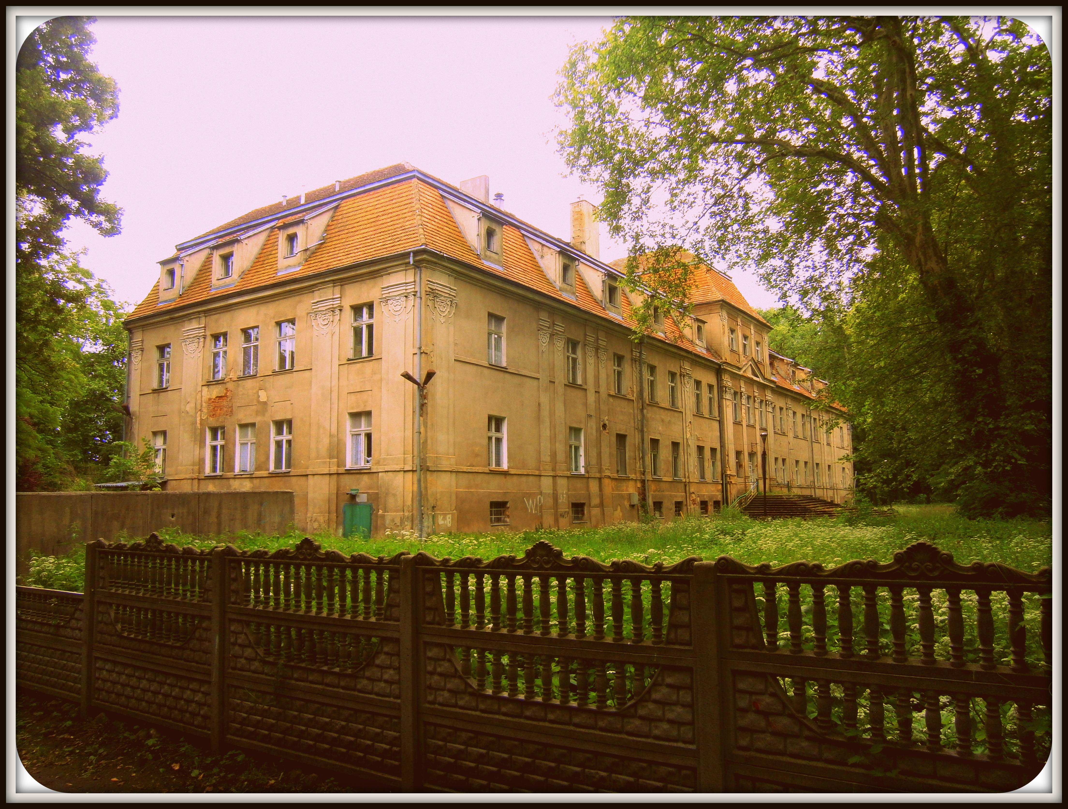 barokowy pałac Barwitzów hrabiów von Fernemont