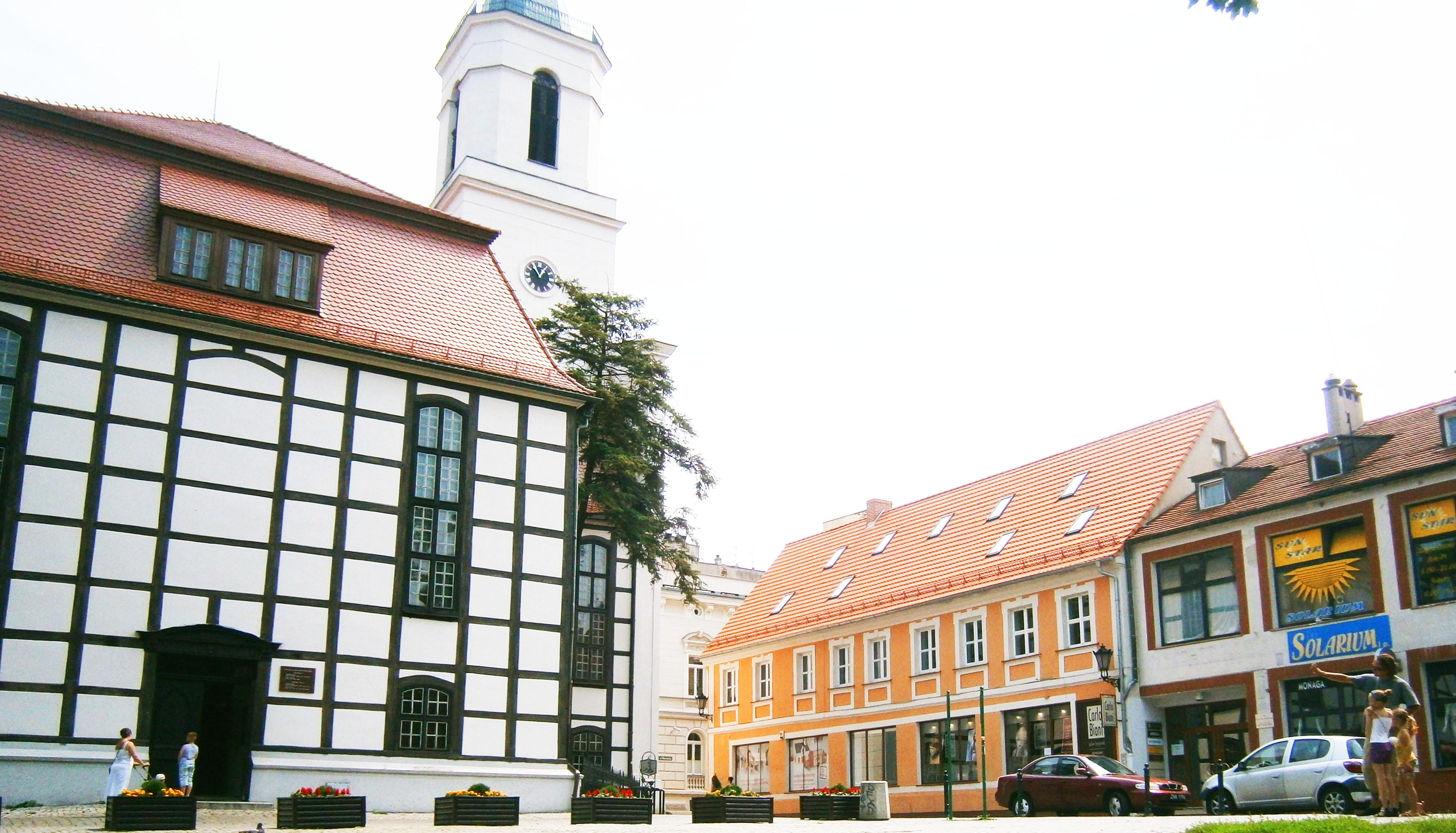 szachulcowy (słowo klucz z nizowądu) kościół
